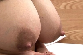 Japanese girl hand puff