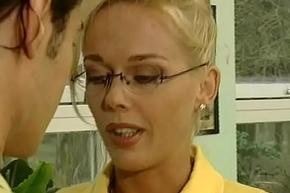 Mrs. hard in yellow